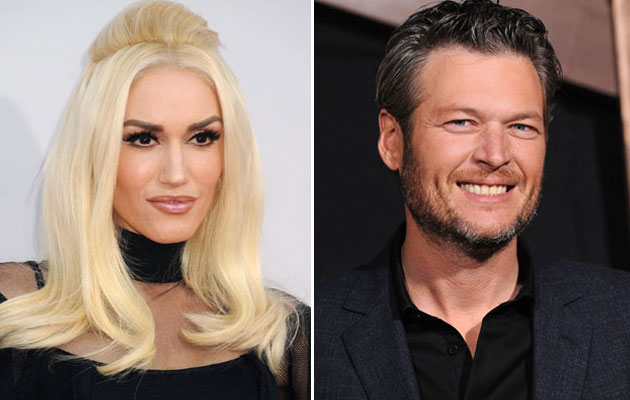 Gwen-Stefani-And-Blake-Shelton-Hit-The-Football-Field